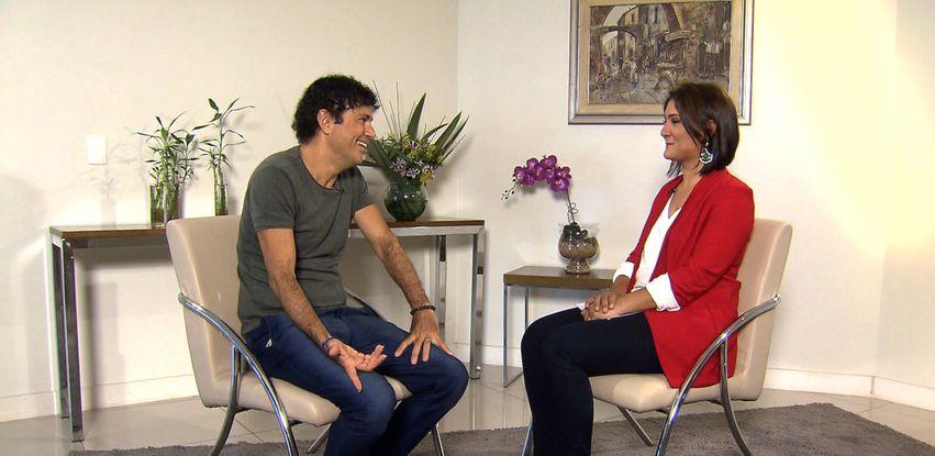 Roseann Kennedy entrevista o cantor Jorge Vercillo no programa Impressões
