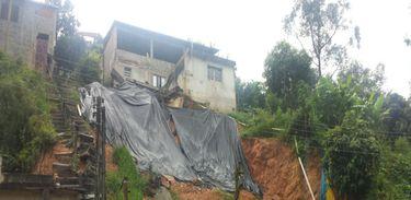 Deslizamento em Francisco Morato por causa das chuvas (Divulgação/Defesa Civil-SP)