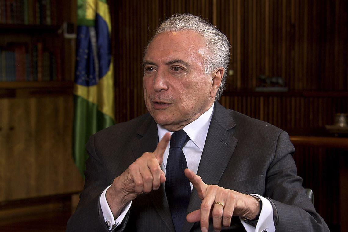 O presidente Michel Temer concede entrevista à jornalista Roseann Kennedy, da TV Brasil.