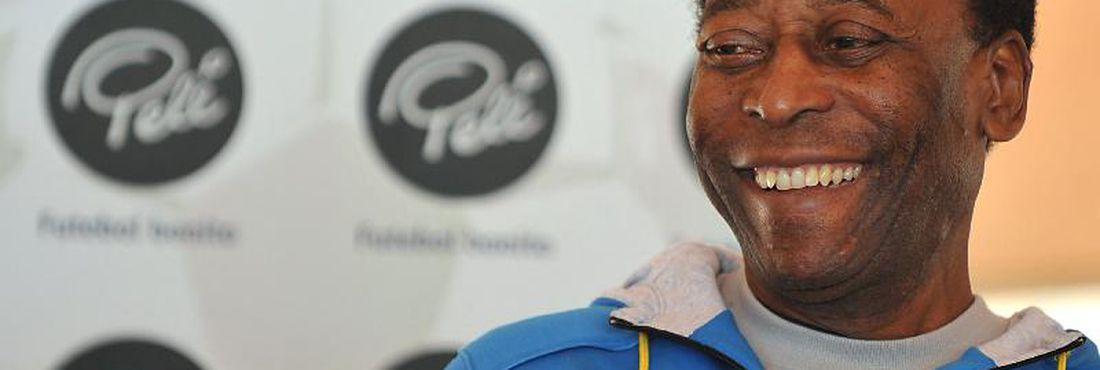 Há 32 anos, Pelé era eleito o Atleta do Século