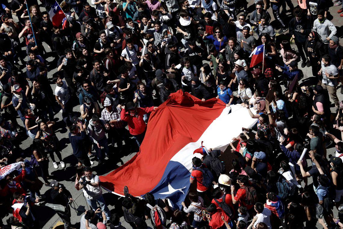 Protesto contra o modelo econômico do estado do Chile em Santiago