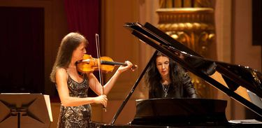 Viktoria Mullova e Katia Labèque