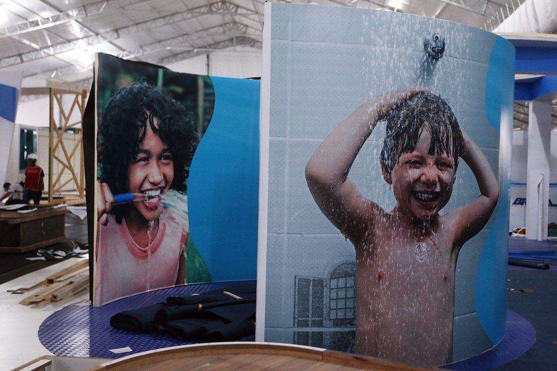 Brasília - Preparativos para a Vila Cidadã, área de 10 mil metros quadrados no Estádio Mané Garrincha, que receberá participantes do 8º Fórum Mundial da Água (Valter Campanato/Agência Brasil)