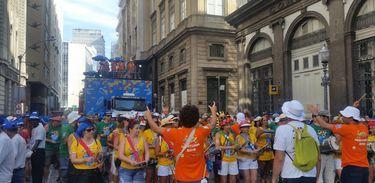 Desfile do Monobloco no Rio