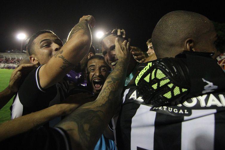 Gatito Fernández, do Botafogo, na Copa do Brasil contra o Náutico