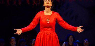 Soprano italiana Cristina Gianelli vive Maria Stuarda