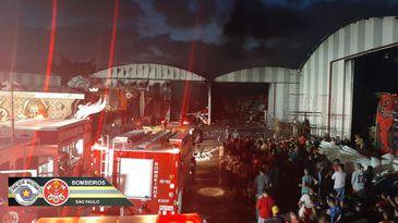 Incêndio atinge escolas de samba na capital paulista.
