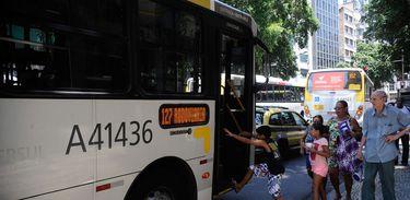 Greve nacional dos caminhoneiros está afetando diretamente o abastecimento de óleo diesel dos ônibus no Rio de Janeiro