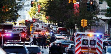 Homem invade faixa de ciclistas, atropela e mata oito pessoas em Nova York
