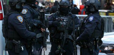 Agentes de combate ao terrorismo do Departamento de Polícia de Nova York