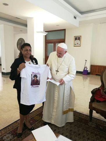 Marinete Silva, mãe de Marielle Franco, reúne-se com o papa Francisco