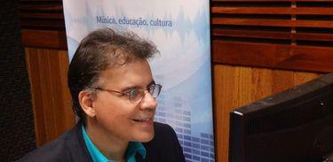 Marcus Aurélio, âncora do programa Todas as Vozes