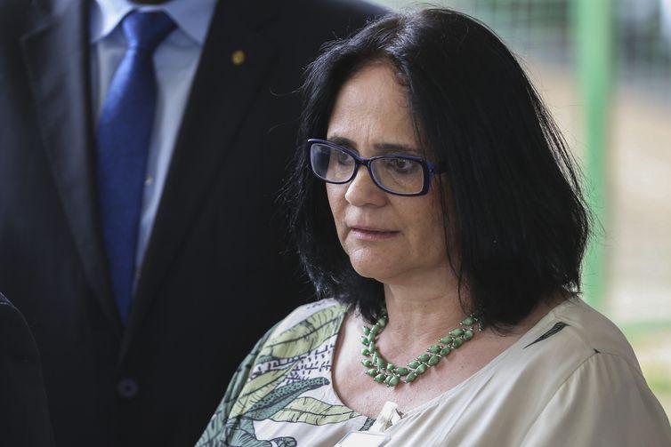 Futura ministra da Mulher, Família e Direitos Humanos, Damares Alves, fala à imprensa no CCBB. Ela também ficará responsável pela Funai.