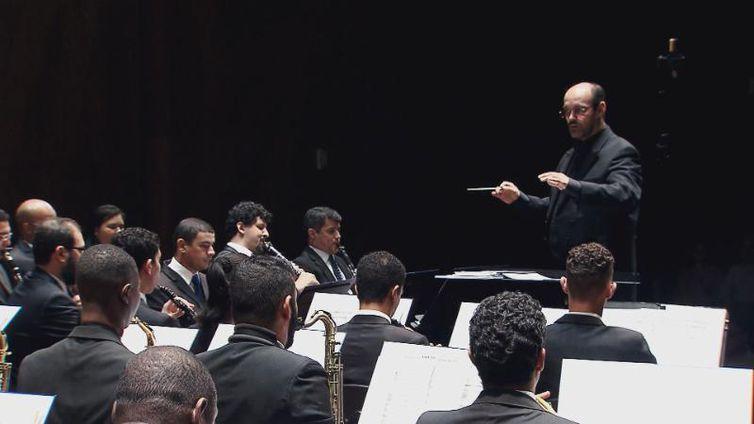 Orquestra de Sopros da UFRJ homenageia compositores brasileiros e estrangeiros no Partituras