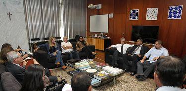 Associação de Cantineiros em encontro com autoridades do DF