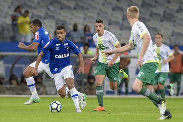 35cb8e60aa Chapecoense lidera o Brasileirão depois de quatro rodadas