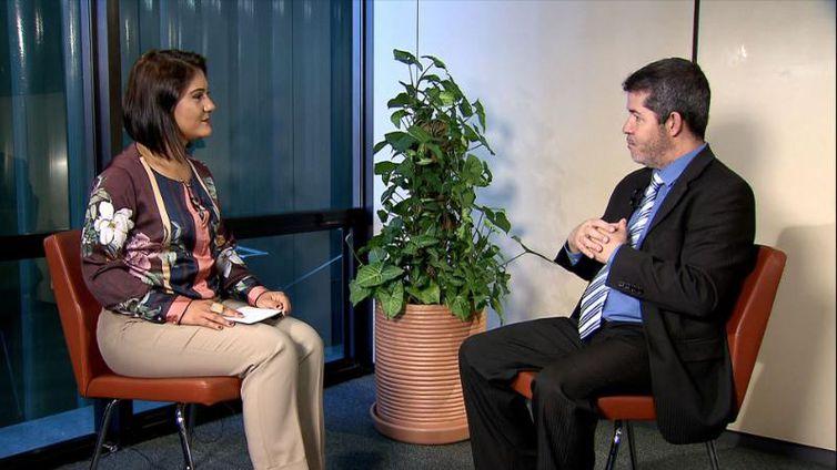 Roseann Kennedy entrevista o líder do PSL na Câmara, deputado Delegado Waldir