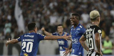 Botafogo 0 x 2 Cruzeiro