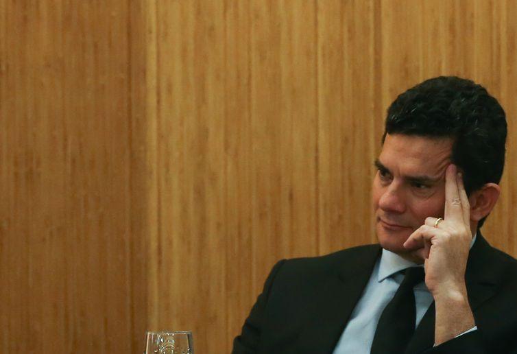Brasília - O juiz federal Sérgio Moro participa da palestra Democracia, Corrupção e Justiça: Diálogos para um País Melhor, no UniCeub (José Cruz/Agência Brasil)