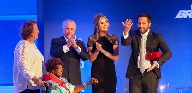 Brasília - O presidente Michel Temer prestigia a entrega da Ordem do Mérito Cultural 2016 a Dona Ivone Lara, no Palácio do Planalto  (Valter Campanato/Agência Brasil)