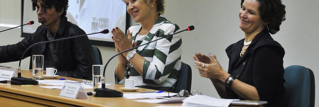 Marta abriu diálogo com militantes que se opunham à gestão de Ana de Hollanda