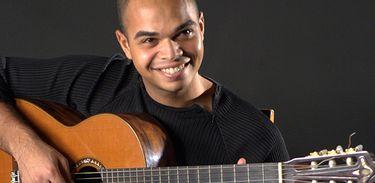 O violonista e arranjador Marcel Powell