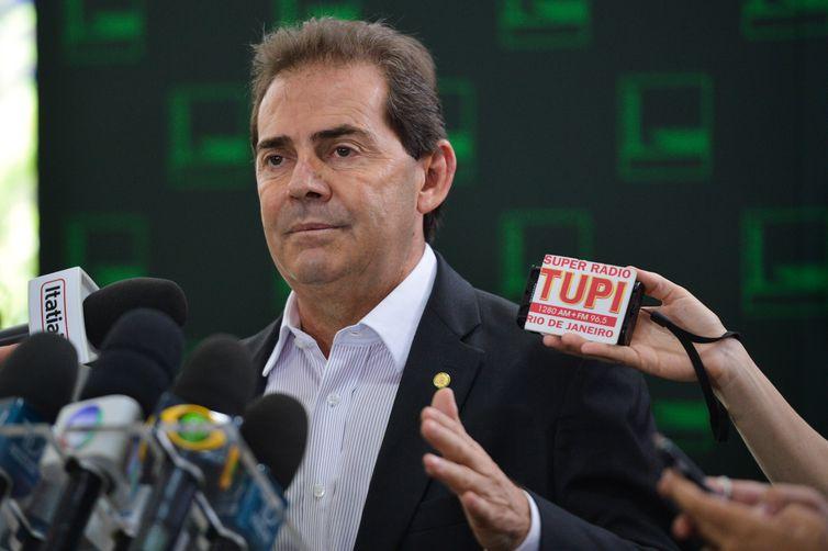 Brasília - O deputado Paulinho da Força (SD/SP) fala sobre o resultado da votação da admissibilidade do processo de  impeachment da presidenta Dilma Rousseff na Câmara (José Cruz/Agência Brasil)