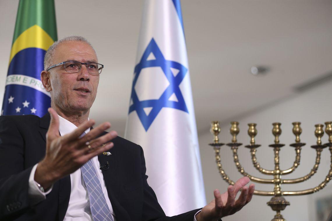 O embaixador de Israel concede entrevista à Agência Brasil