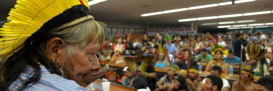 Brasília - Lideranças indígenas participam de encontro na Frente Parlamentar de Apoio aos Povos Indígenas
