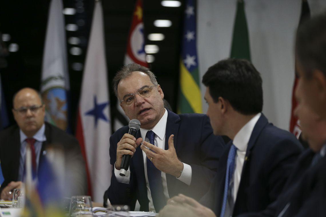 O relator da comissão especial da Reforma da Previdência, Samuel Moreira, participa da 5ª Reunião do Fórum de Governadores.
