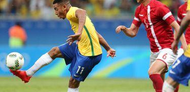 Brasil goleia Dinamarca e se classifica no futebol masculino