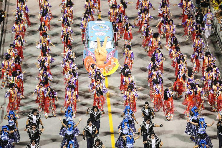 São Paulo - A Escola de Samba Rosas de Ouro é quarta a desfilar no carnaval de São Paulo, no Sambódromo do Anhembi (Divulgação/Paulo Pinto/LigaSP)