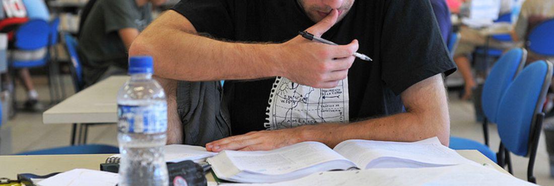 MEC quer acabar com Prova Brasil e passar a usar Enem na avaliação da educação básica