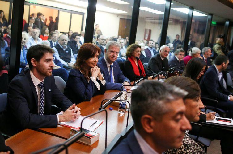 Julgamento da ex-presidente da Argentina Cristina Kirchner acusada de corrupção, associação ilícita e desvio de verbas de obras públicas, em Buenos Aires, Argentina.