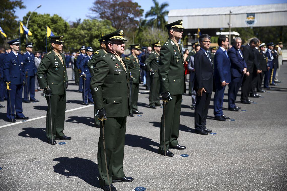 A Força Aérea Brasileira (FAB) realiza evento comemorativo dos 146 anos de nascimento de Alberto Santos-Dumont, Patrono da Aeronáutica e Pai da Aviação.