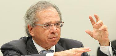 O ministro da Economia, Paulo Guedes, fala na Comissão de Finanças e Tributação da Câmara dos Deputados, sobre os impactos econômicos e financeiros da Nova Previdência.