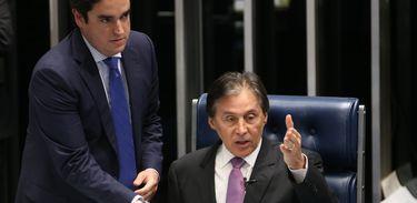 Brasília - O presidente do Senado, o senador Eunício Oliveira, durante a votação de vários projetos no Senado (Antonio Cruz/Agência Brasil)