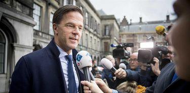 Primeiro-ministro Mark Rutte anuncia a formação de governo na Holanda, a partir de uma aliança de quatro partidos