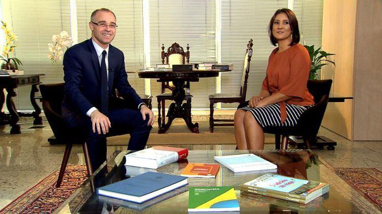 AGU defenderá reforma da previdência de Bolsonaro, afirma André Mendonça