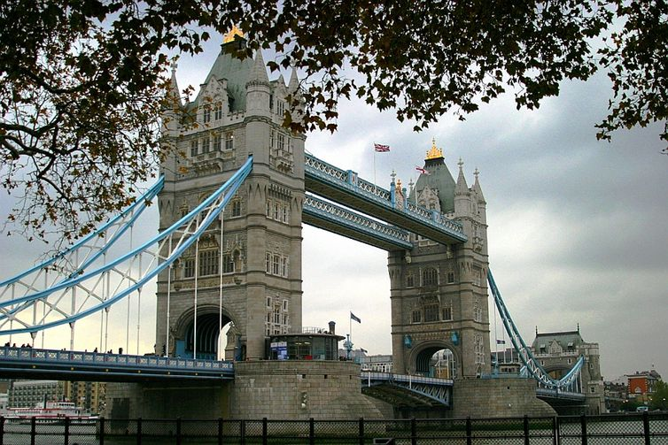Tower Bridge, a torre da ponte em Londres