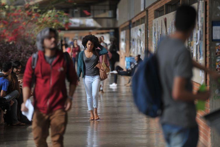 UnB reserva vagas para negros desde o vestibular de 2004