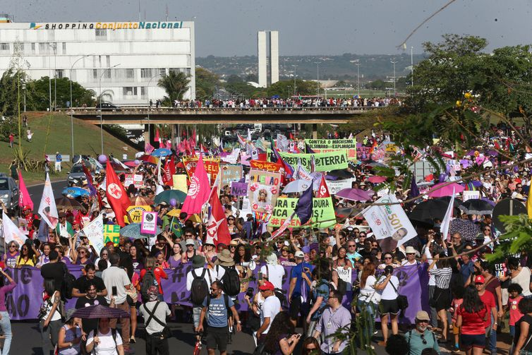 """Ato de mulheres """"#EleNão"""" contra o candidato à Presidência Jair Bolsonaro, em Brasília"""