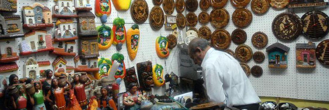 Cidade da Guatemala (Guatemala) - Peças de artesanato guatemalteco podem ser encontradas no mercado da capital.