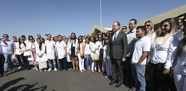 Brasília - O ministro da Saúde, Ricardo Barros, recebe profissionais cubanos e brasileiros que vão trabalhar no Programa Mais Médicos (Elza Fiuza/Agência Brasil)