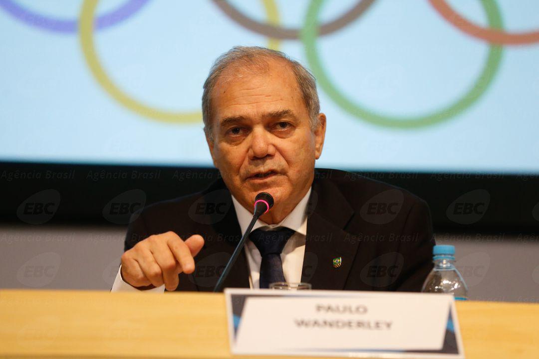 Rio de Janeiro - O presidente do Comitê Olímpico do Brasil (COB), Paulo Wanderley, fala à imprensa após reunião extraordinária com as confederações brasileiras olímpicas (Tomaz Silva/Agência Brasil)