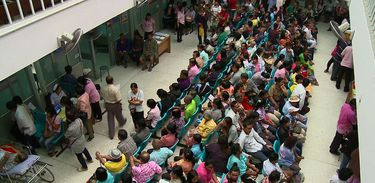 pacientes, fila de espera, hospital