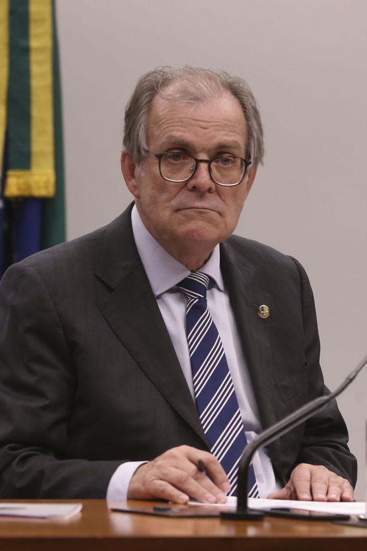 O relator da Lei de Diretrizes Orçamentárias para 2019, senador Dalírio Beber durante reunião da Comissão Mista de Orçamento.