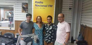 Os músicos Vítor Adonai e Antonio Mello
