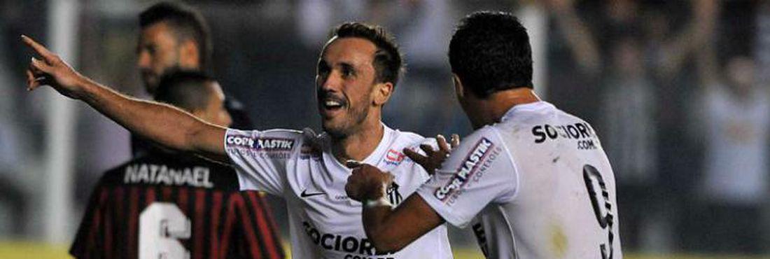 Santos venceu o Vitória no último minuto