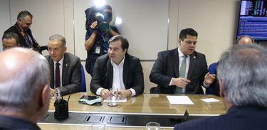 Os presidentes da Câmara dos Deputados, Rodrigo Maia e  do Senado, Davi Alcolumbre,se reúne com o ministro da Economia, Paulo Guedes,  para discutir questões sobre reforma tributária